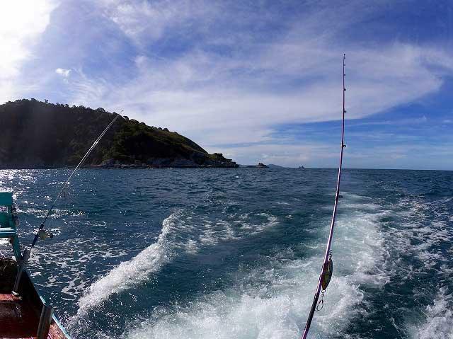 バンサレー 釣り船 つりつりタイランド 透明度