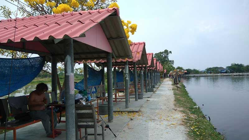 モンコン mongkol 釣り タイランド バンコク 休憩