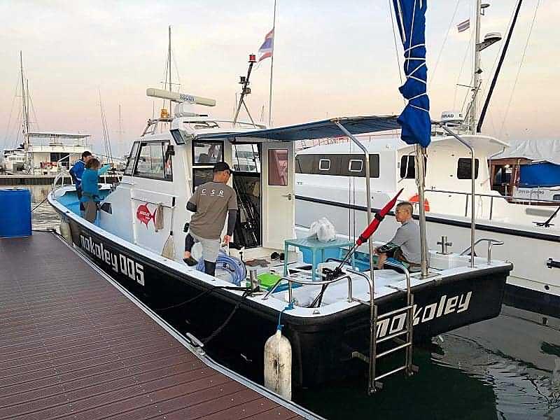 パタヤ 船 モコリー船