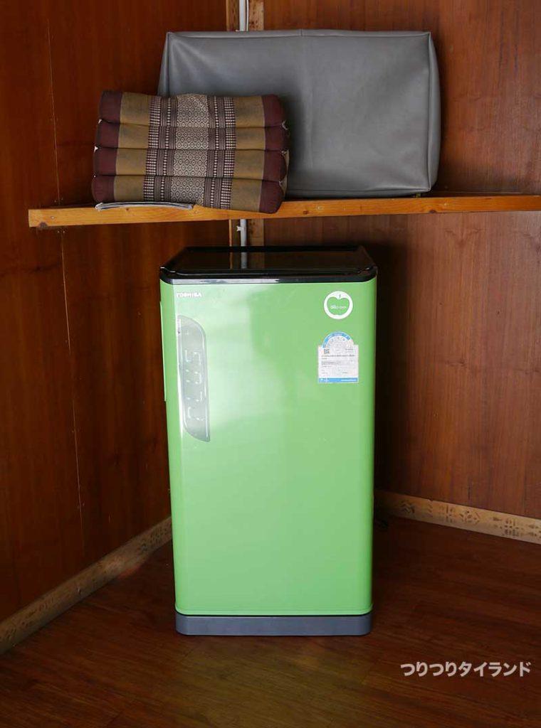 バンガローの中の冷蔵庫