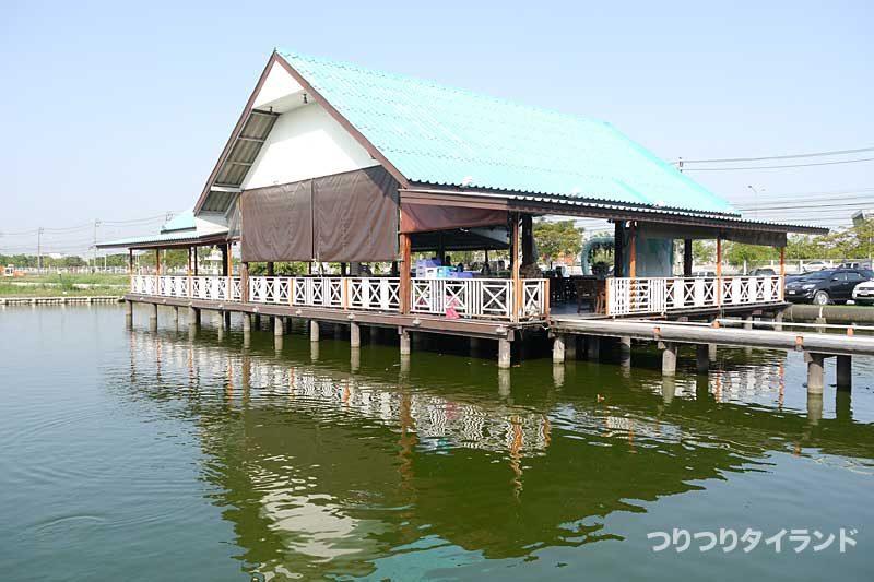 ブンマールアイの食堂