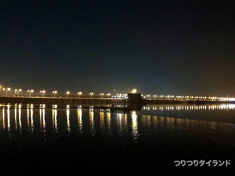 バンサイ 港 夜景