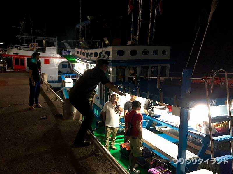 シミラン 船 カオラック港