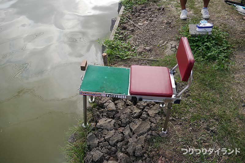 タイの釣り堀 ナーナー 釣り台