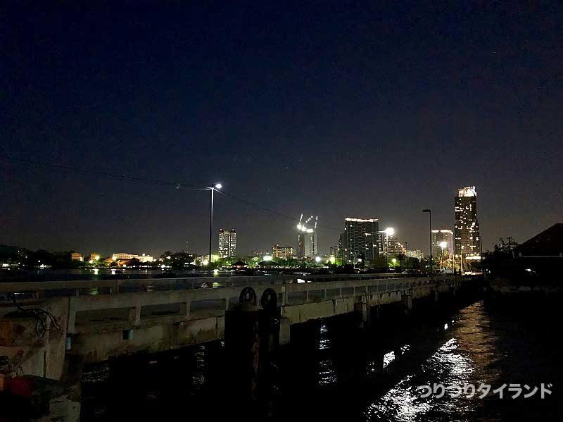ロイ島 港 集合