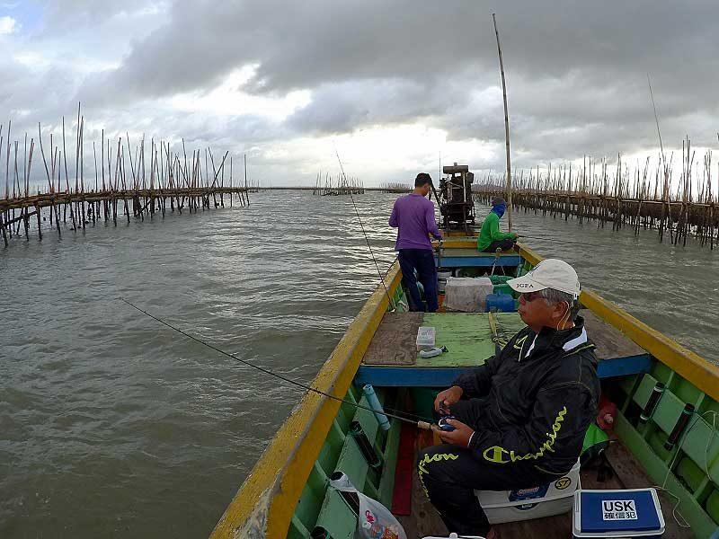 牡蠣筏 釣り開始