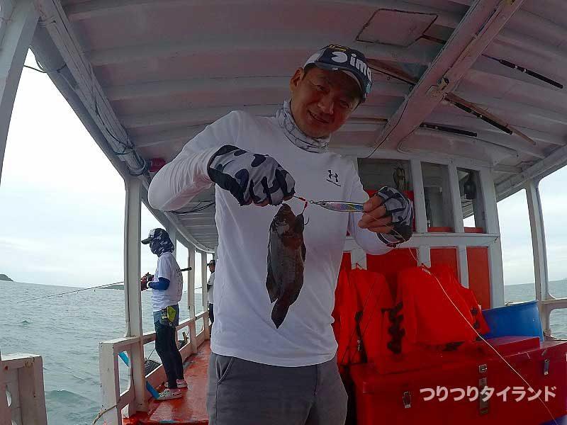 イブちゃん ヤミハタを釣る