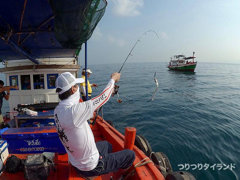 太刀魚を釣り上げた
