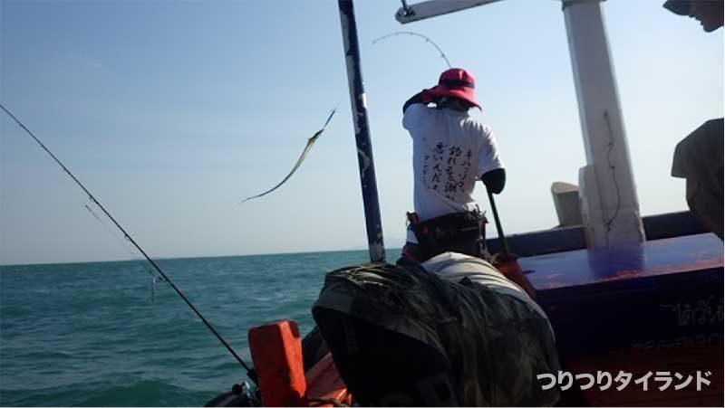 タチウオ 太刀魚 抜き上げる