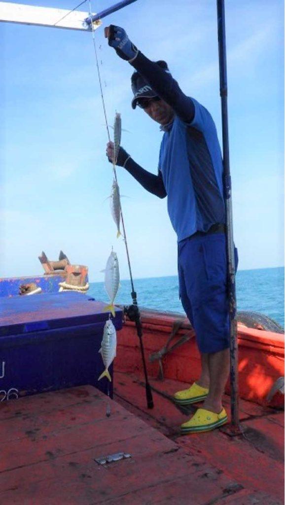 シーチャン島 船 釣れたアジ