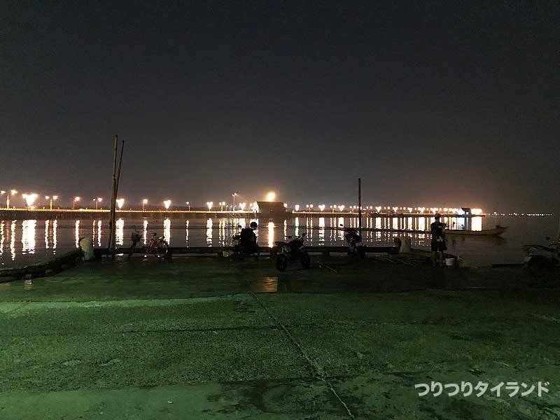バンサイ 桟橋