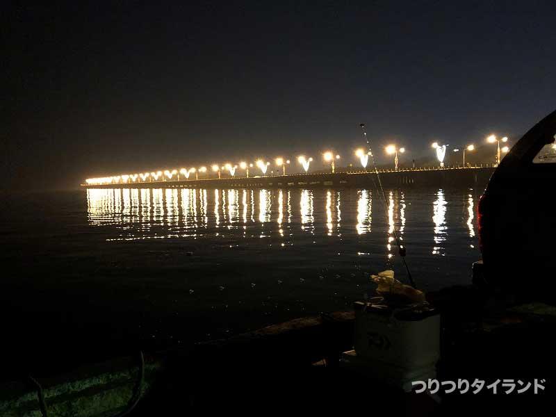 朝のバンサイ桟橋