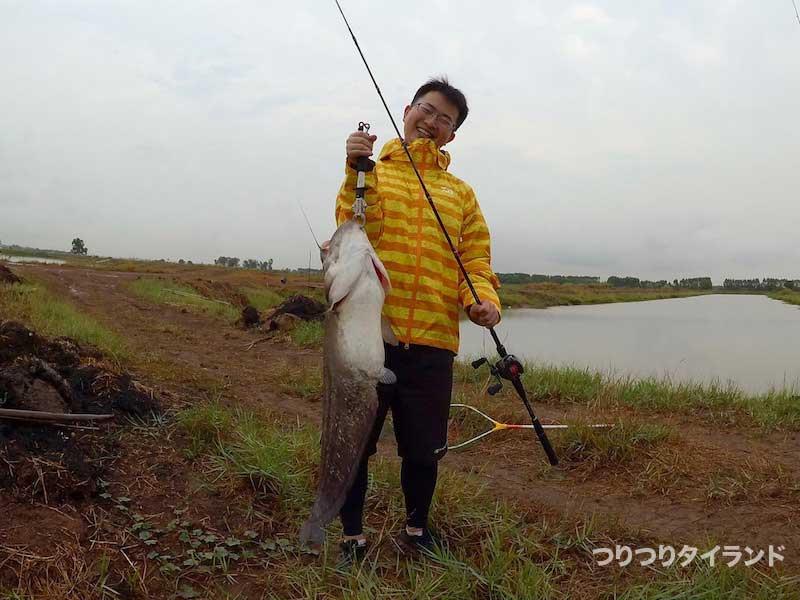 ワラゴーアッツーを釣ったハマちゃん