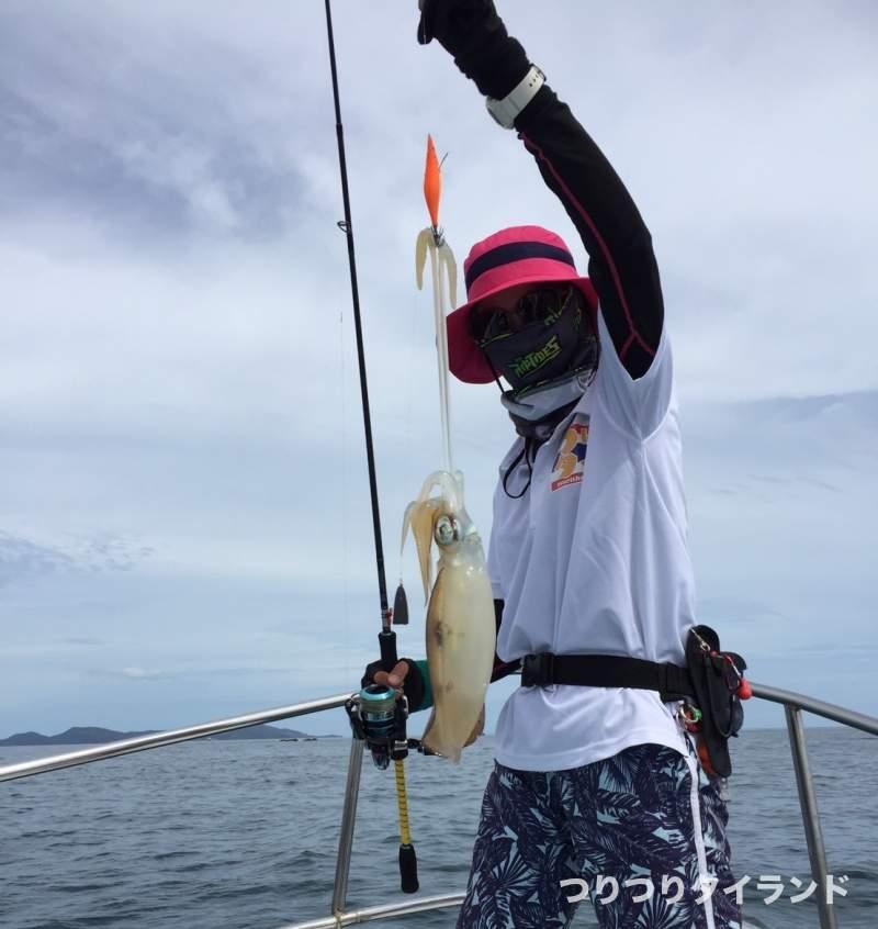 ダウンショットエギング釣れたアオリイカ