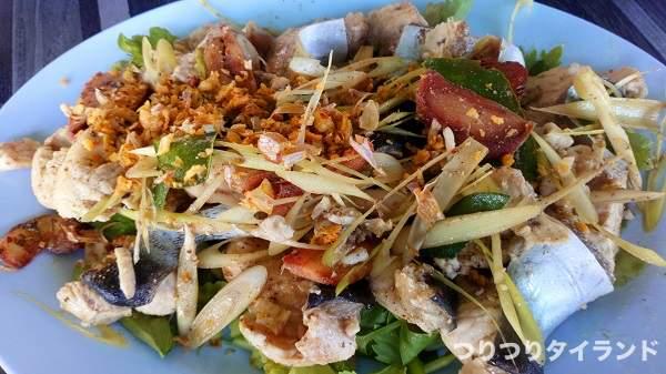 タイ料理 ルークチム 魚