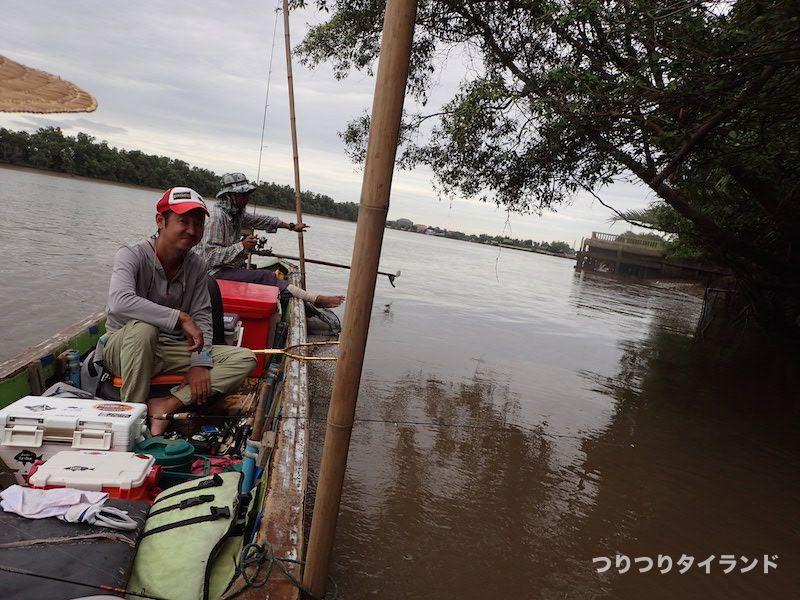 バンパコン川 ボート