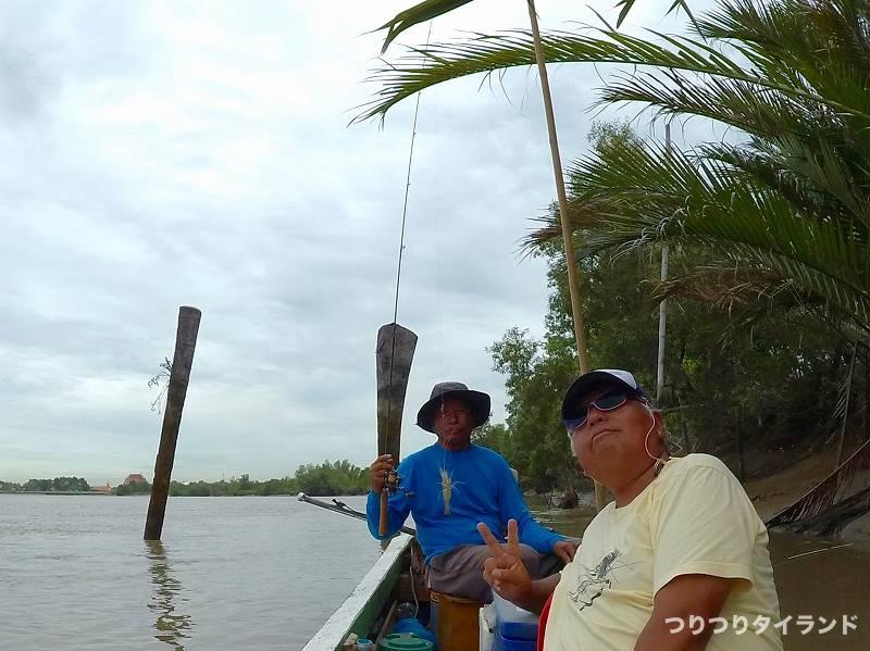 オニテナガエビを釣ったノーック船長