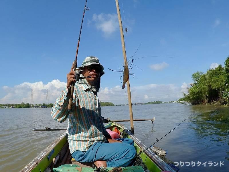 オニテナガエビを釣った船長