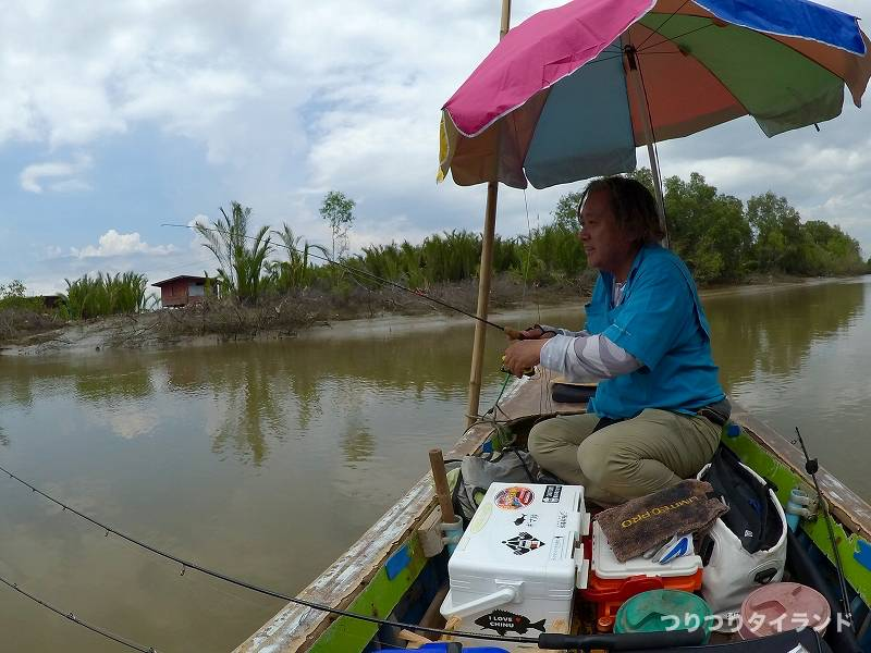 バンパコン川 支流 エビ釣り