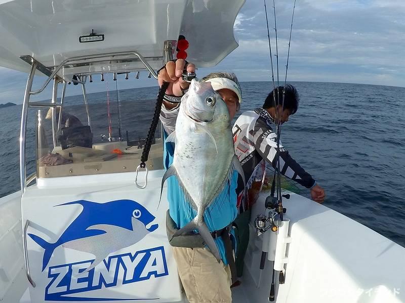 パタヤ沖 釣り イトヒキアジ