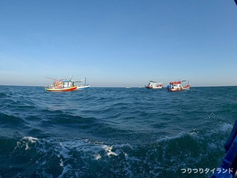 シーチャン島 釣り船