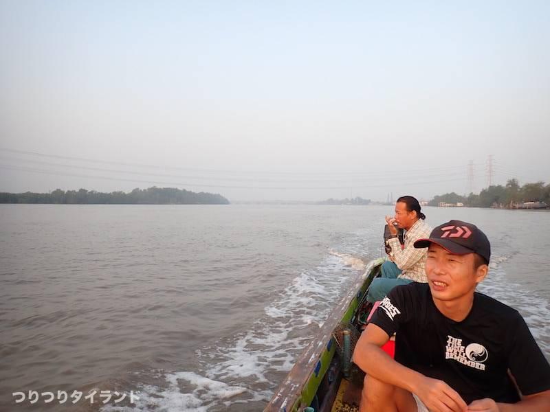 バンパコン川出船
