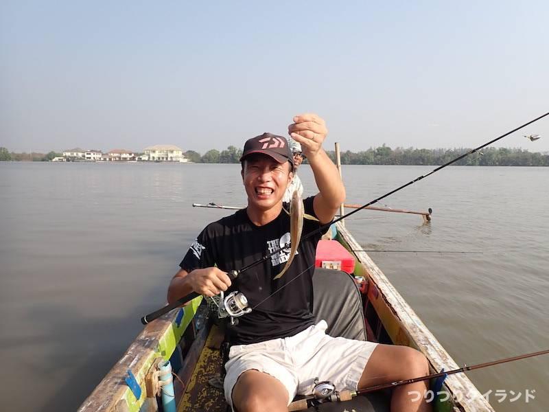バンパコン川 塚ちゃんと魚
